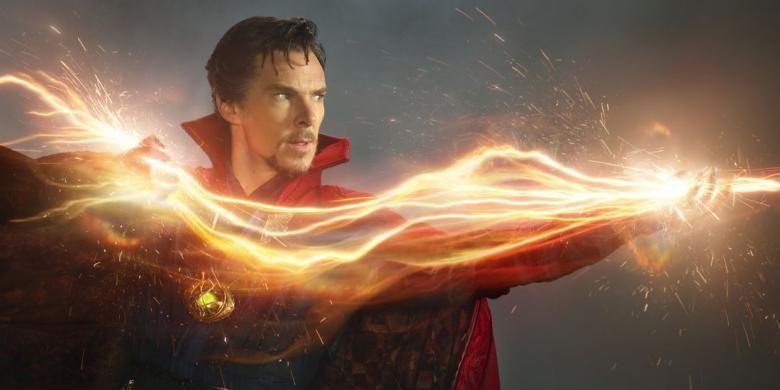 Benedict Cumberbatch beraksi dalam film Doctor Strange (2016)
