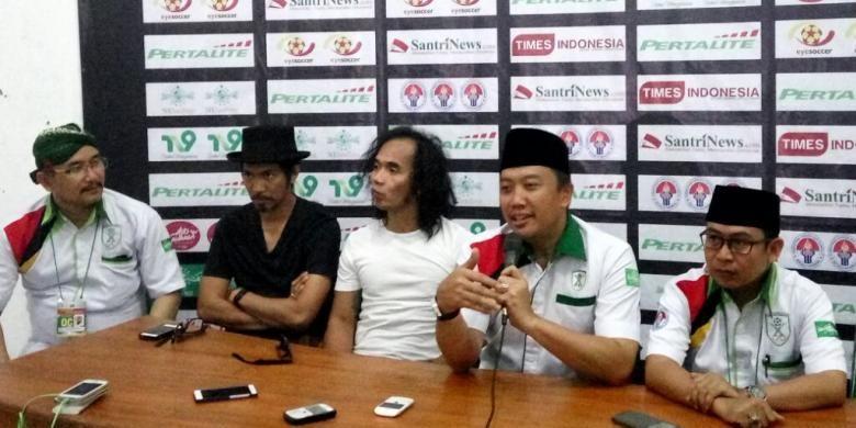 Menpora Imam Nahrawi meminta agar PSSI juga melihat potensi para pemain muda yang berkompetisi di Liga Santri Nusantara.