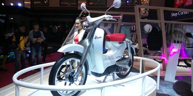 Honda menjadi satu-satunya merek yang pamer bebek berteknologi listrik di ImOS 2016.