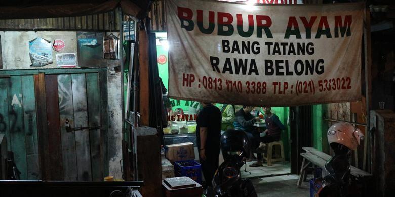 Bubur Ayam Bang Tatang identik dengan penyajian bubur dengan suwiran daging ayam yang menggunung. Bubur Ayam Bang Tatang berlokasi di pertigaan Rawa Belong yang menuju Pasar Palmerah.