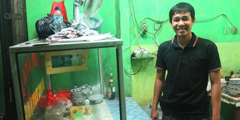 Muhamad Hasani adalah generasi kedua penjual Bubur Ayam Bang Tatang. Beberapa waktu lalu ayahnya, Bang Tatang telah meninggal dunia. Ia meneruskan usaha ayahnya hingga saat ini.