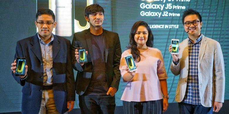 (Ki-ka) Galaxy J2, J5, dan J7 Prime dirilis dalam sebuah acara di Jakarta, Jumat (18/11/2016)