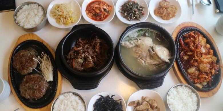 Hidangan khas Korea Halal di restoran Makan, Seoul, Korea Selatan.