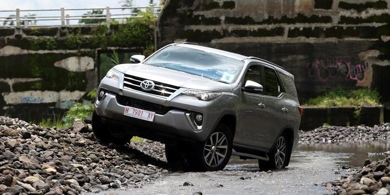 Toyota Fortuner menjadi motor penggerak pertumbuhan positif <a href='http://bangka.tribunnews.com/tag/toyota' title='Toyota'>Toyota</a>.