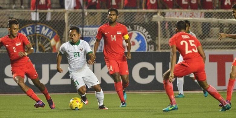 Hasil akhir Indonesia vs Singapura 2-1, Jumat (25/11/2016), sehingga Indonesia lolos ke babal semifinal AFF Suzuki Cup 2016.