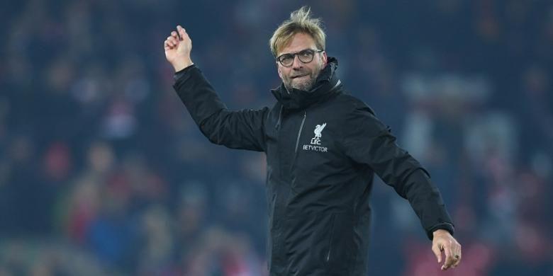 Manajer Liverpool, Juergen Klopp, merayakan kemenangan timnya atas Sunderland dalam ajang Premier League, di Stadion Anfield, Sabtu (26/11/2016).