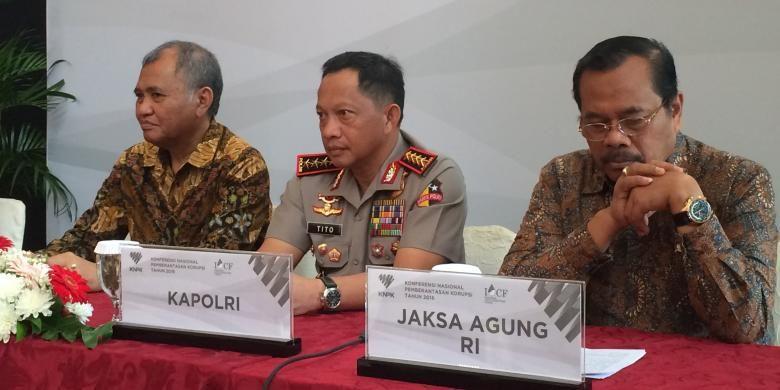 Ketua KPK Agus Rahardjo, Kapolri Jenderal (Pol) Tito Karnavian, dan Jaksa Agung M Prasetyo saat konferensi pers Konferensi Nasional Pemberantasan Korupsi Tahun 2016 di Balai Kartini, Jakarta, Kamis (1/12/2016).