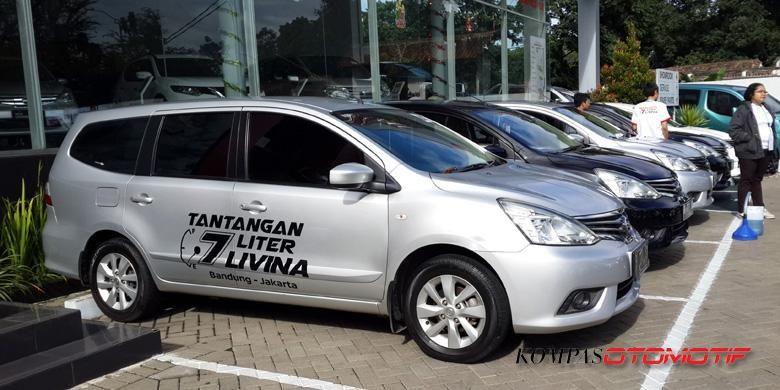 Nissan Grand Livina ditantang keiritan bahan bakarnya hanya dengan bekal 7 liter.