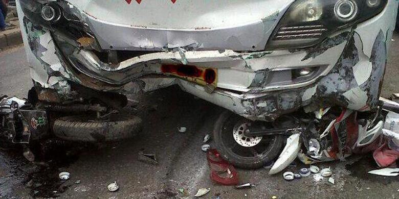 Info Otomotif.. Tips Keselamatan Berkaca dari Kecelakaan MPV di Senayan