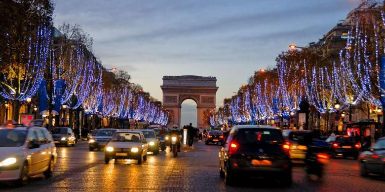 Champs-Elysees di Paris, Perancis.