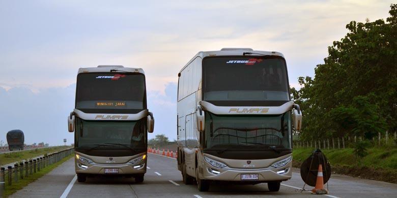 Bus tingkat pertama Wonogiri-Jakarta buatan PT Putera Mulya Sejahtera, diluncurkan di Terminal Giri Adipura, Wonogiri, Jawa Tengah, Kamis (22/12/2016).
