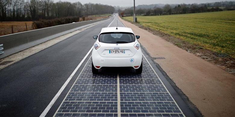 Jalan raya pertama di dunia dengan panel surya.
