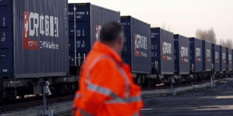Rangkaian kereta barang pertama di Jalur Sutera telah tiba di Barking, London timur, setelah melewati perjalanan 12.000 km dari Yiwu, Cina.