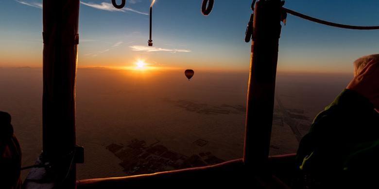 Hot Air Ballooning and Falconry, salah satu atraksi baru di Dubai tahun 2017.