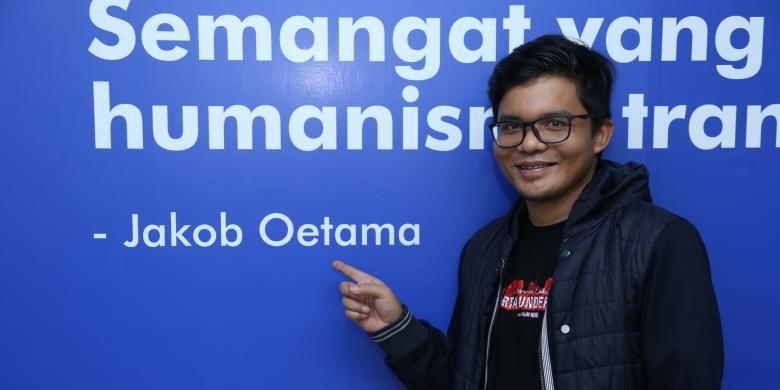 Fajar Nugros sutradara film Jakarta Undercover saat berpose di  Gedung Kompas Gramedia, Palmerah Selatan, Jakarta, Selasa (31/1/2017).