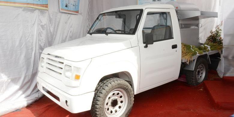 Salah satu prototipe mobil pedesaan yang dipamerkan pada acara peluncuran Kebijakan Kemudahan Impor Tujuan Ekspor (KITE) IKM di Desa Tumang, Boyolali, 30 Januari 2017.
