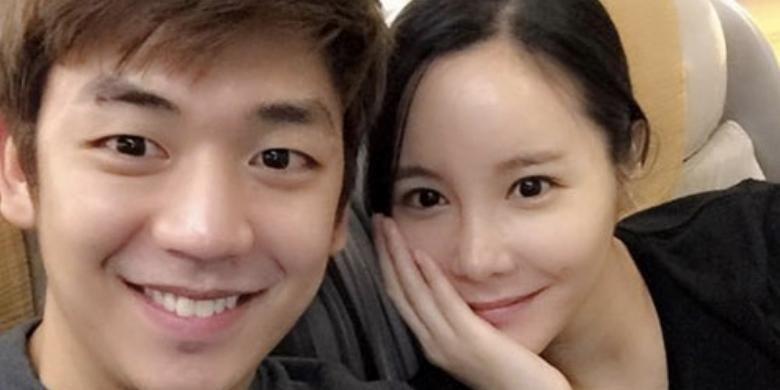 Lee Yong Dae  dengan pacarnya, aktris Byun soo-mi.