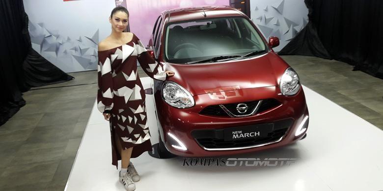 Nissan Motor Indonesia menyegarkan tampilan March dengan desain DRL dan head unit baru di Jakarta, Senin (13/2/2017).