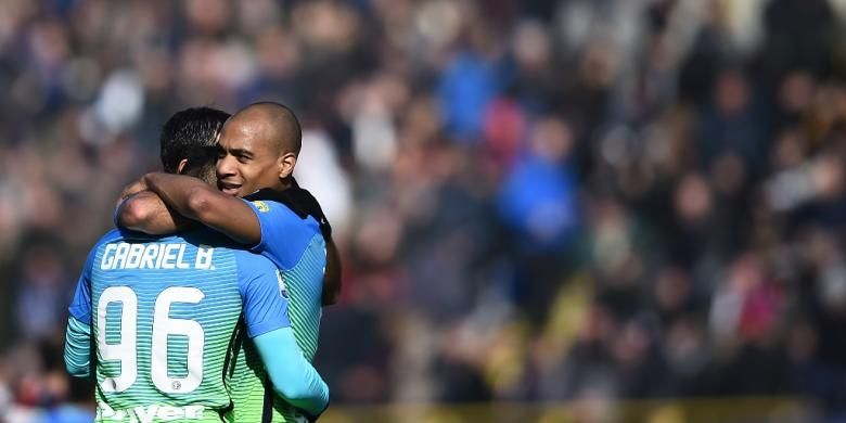 Gabriel Barbosa merayakan golnya saat Inter Milan menang 1-0 atas Bologna pada partai lanjutan Serie A di Stadion Renato DallAra, Minggu (19/2/2017).