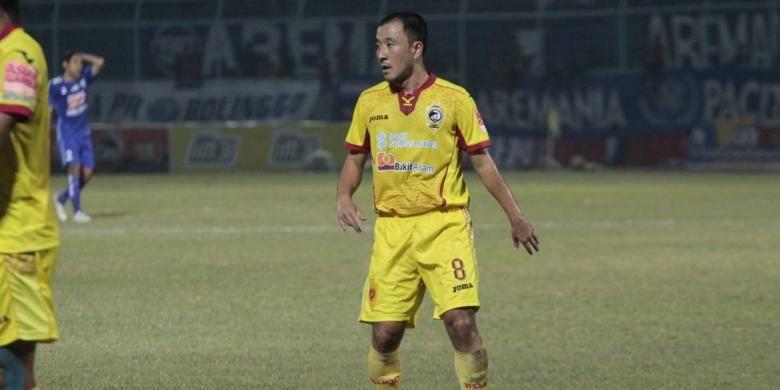 Yuu Hyun Koo belum bisa perkuat Sriwijaya FC karena akumulasi kartu kuning dan widodo bakal cari pemain lai  emban kapten tim