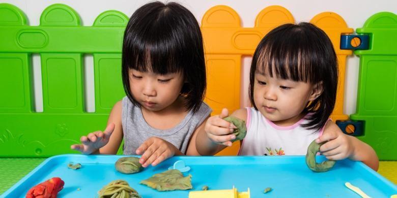 Ilustrasi anak-anak bermain bersama