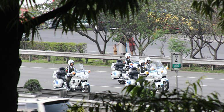 Iring-iringan satuan pengamanan untuk menjaga rombongan Raja Salman ke Istana Bogor