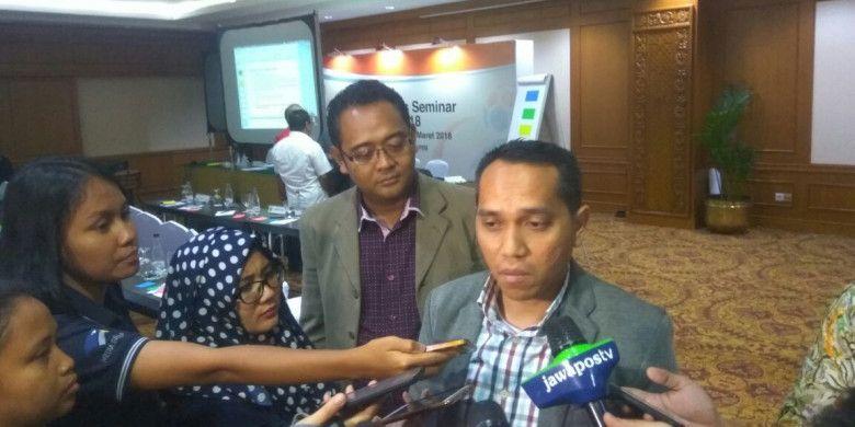 Chief Operating Officer PT LIB (Liga Indonesia Baru), Tigor Shalom Boboy menjelaskan modifikasi Law of The Game yang bakal Diterapkan Liga 1 musim 2018, di Hotel Sultan, Jakarta, Jumat (2/3/2018).