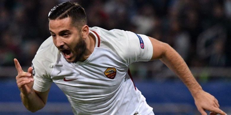 Selebrasi bek AS Roma, Kostas Manolas, seusai mencetak gol ke gawang Qarabag dalam pertandingan Grup C Liga Champions 2017-2018 di Stadion Baki Olimpiya, Rabu (27/9/2017).
