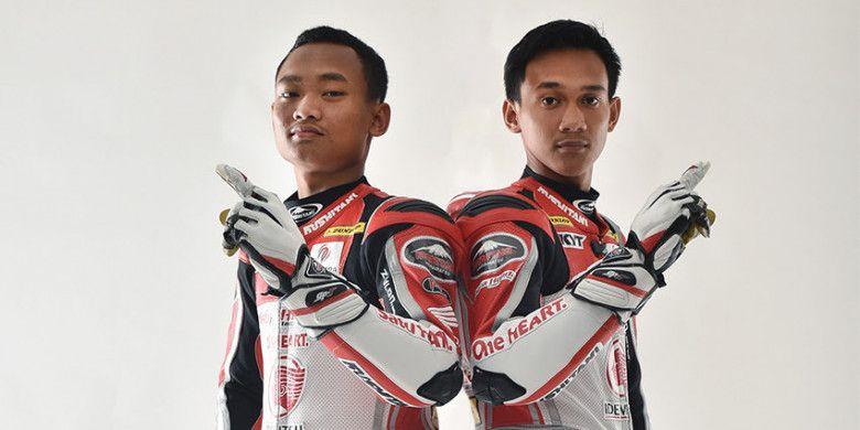 Dua pebalap Astra Honda Racing Team, Rheza Danica Ahrens (kiri) dan Awhin Sanjaya, kembali berkompetisi pada ajang Asia Road Racing Championship (ARRC) 2018.