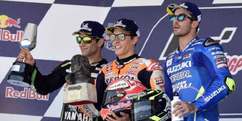 Johann Zarco (Yamaha Tech3), Marc Marquez (Repsol Honda), dan Andrea Iannone (Suzuki Ecstar) merayakan podium MotoGP Spanyol di Sirkuit Jerez, Spanyol, Minggu (6/5/2018).