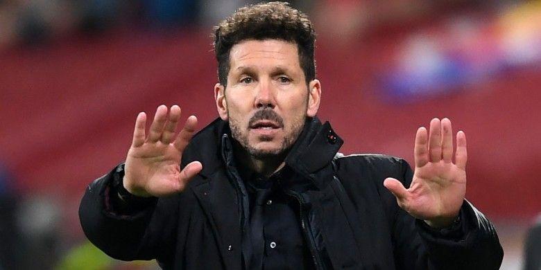 Reaksi pelatih Atletico Madrid, Diego Simeone, dalam laga pertama babak 16 besar Liga Champions di kandang Bayer Leverkusen, 21 Februari 2017.