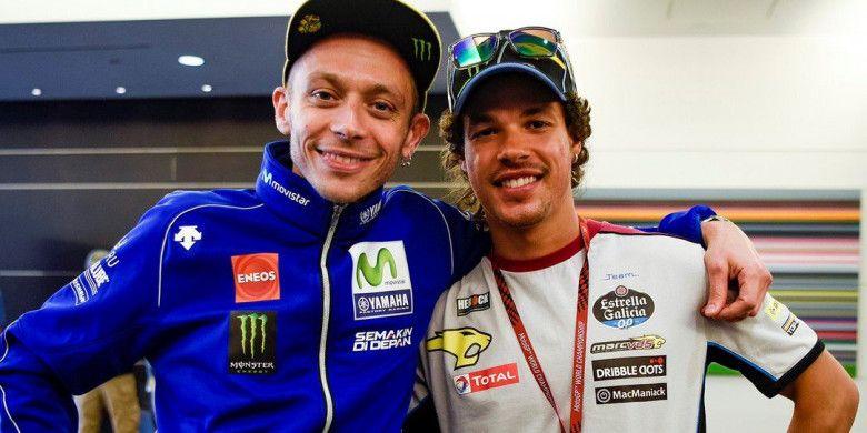 Valentino Rossi (kiri) dan Franco Morbidelli (kanan)