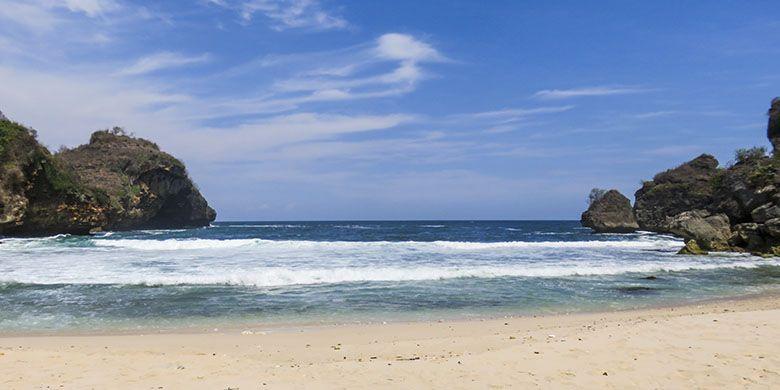 Pantai Krokoh dengan Pasir Putihnya