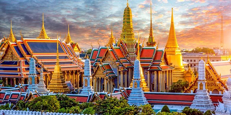 Grand Palace Temple, salah satu kuil megah di Thailand.