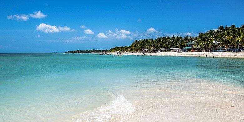 Pantai pasir putih di Pulau Bantayan, Cebu, Filipina