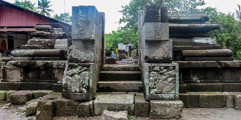 Candi Morangan di Sleman, Yogyakarta yang berada di permukaan tanah.