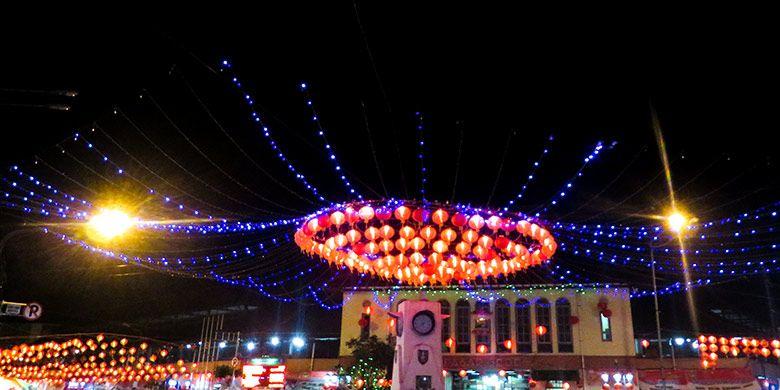 Lampion penyambutan Imlek di Pasar Gede Solo tahun 2016 silam.