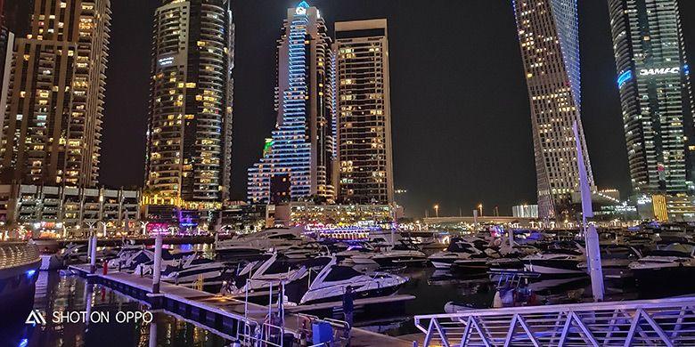 Cahaya gedung-gedung dubai saat malam. Diambil dengan fitur night mode Oppo R17 Pro.