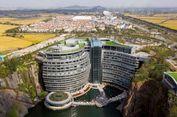 Hotel Mewah di China Ini Menempel pada Dinding Jurang