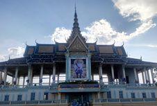 Tarik Turis Asia dan Timteng, Kamboja Kembangkan Wisata Halal