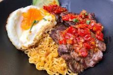 Gerai di Malaysia Tawarkan Sajian Indomie dengan Aneka Topping