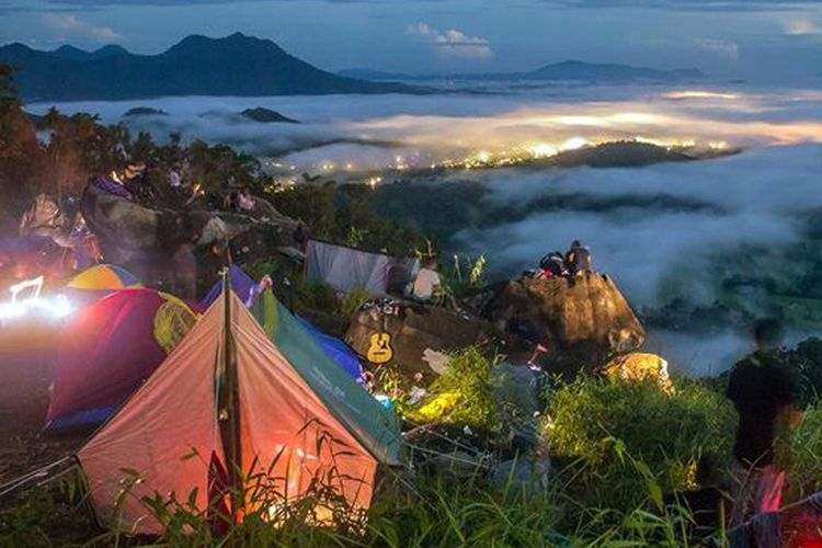 Suasana Bukit Jamur, Bengkayang, Pontianak, Kalimantan Barat.