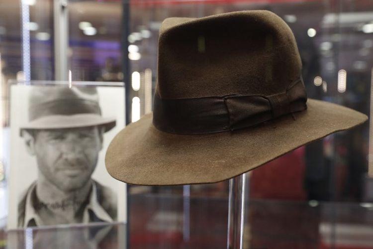 Topi fedora yang dipakai karakter yang dimainkan Harrison Ford 047be6d8f8