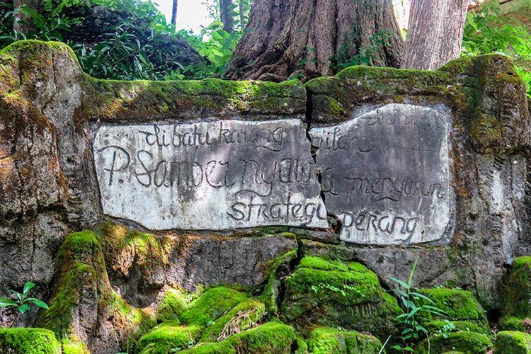 Petilasan atau tempat singgah Pangeran Sambernyawa di Sendang Lele ketika berjuang melawan Belanda.