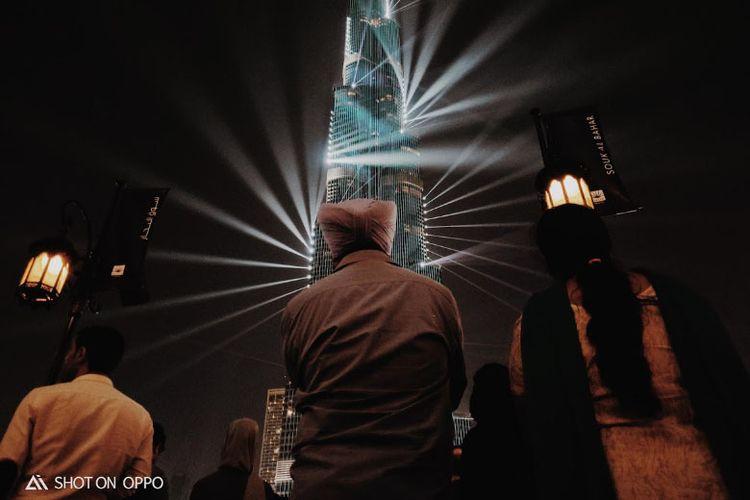 Pertunjukan menawan Burj Khalifa. Diambil dengan fitur night mode Oppo R17 Pro.