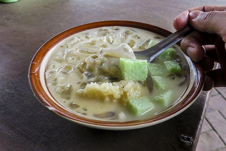 Es dawet durian yang segar dan lezat.