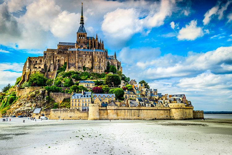 Mont Saint Michel di Negara Perancis.