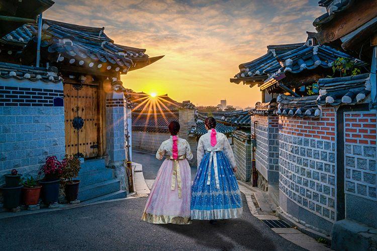 Bukchon Hanok Village di Korea Selatan.