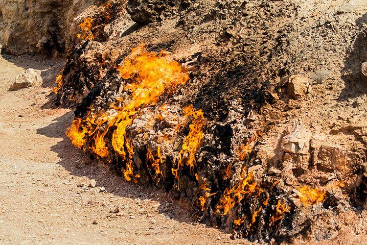 Kobaran Api Abadi di Yanar Dag, Azerbaijan.