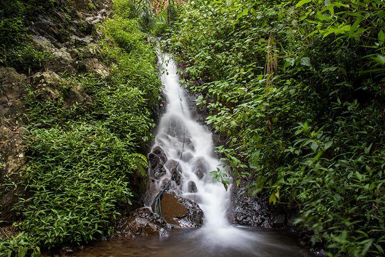 Air Terjun Muncar Wonogiri yang tersembunyi di tengah Pergunungan Lawu Selatan.